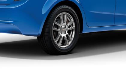 รีวิวภายนอกของ Chevrolet Sonic เชฟโรเลต โซนิค05