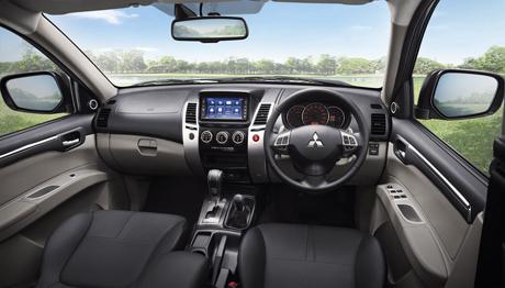 Mitsubishi ปรับโฉม Pajero Sport 2014 ด้วยเทคโนโลยี All Wheel Control พร้อมชนคู่แข่ง