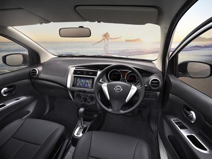 All New Nissan Livina 2014 - 2015 นิสสัน ลิวิน่า พร้อมข้อมูลตารางผ่อนดาวน์ล่าสุด
