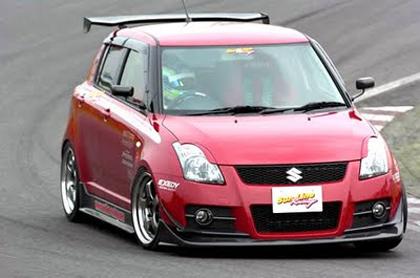มาดูว่าถ้าเราแต่ง suzuki swift ให้สวย ๆ ในแนวรถแข่งจะเป็นอย่างไร